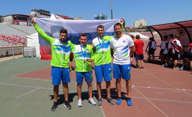 Žan Lukšič, Žiga Ravnikar, Nik Bizjak in trener Matej Zupanc, ekipni evropski prvaki med kadeti