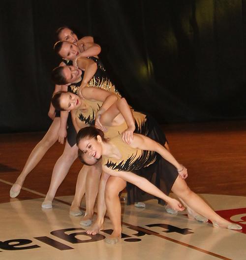 Clanska show dance mala skupina