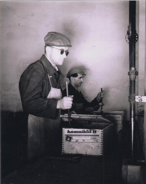 KIK, delavca pri pakiranju razstreliva kamniktita, 60. leta 20. st.