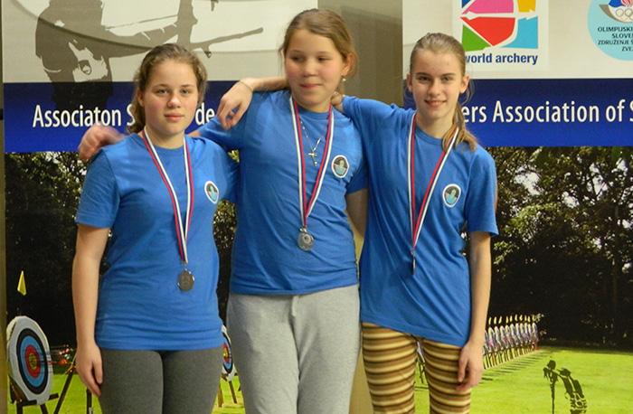 Odlična kamniška dekleta (Habjan Taja, 2.mesto, Loti Vrtačnik, 1.mesto, Habjan Teja, 3.mesto) v kategoriji deklic