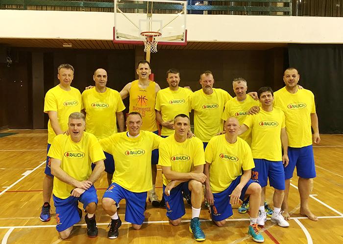 Slovenija 45 pred polfinalom