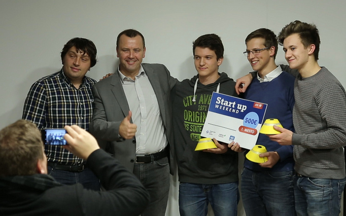 startup3-001