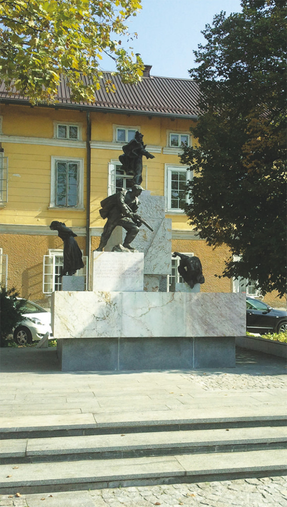 spomenik_center_domzale